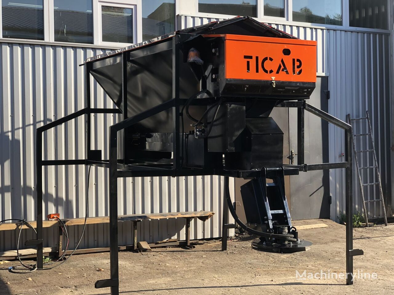 nový sypač TICAB RPS-1500