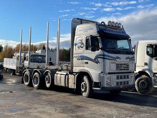nákladné auto na prepravu dreva VOLVO FH