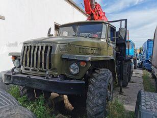 nákladné auto na prepravu dreva URAL HYAB