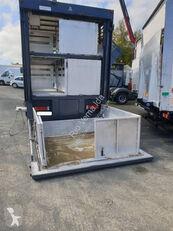 nákladné auto na prepravu zvierat RENAULT Premium