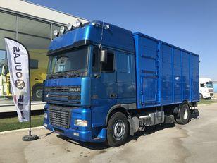 nákladné auto na prepravu zvierat DAF 95XF.480