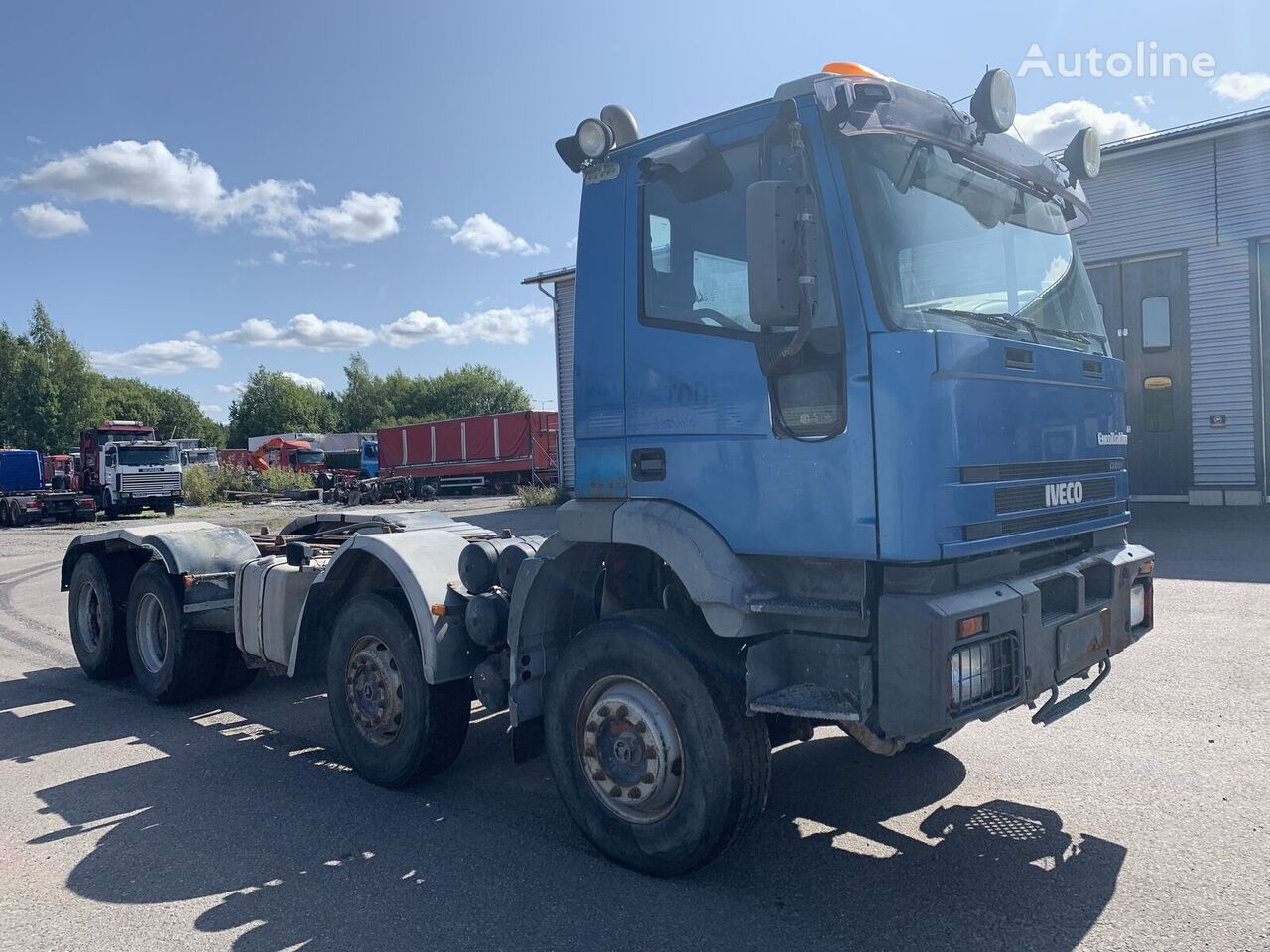 nákladné auto podvozok IVECO Eurotrakker