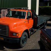 nákladné vozidlo na prepravu automobilov FORD F800