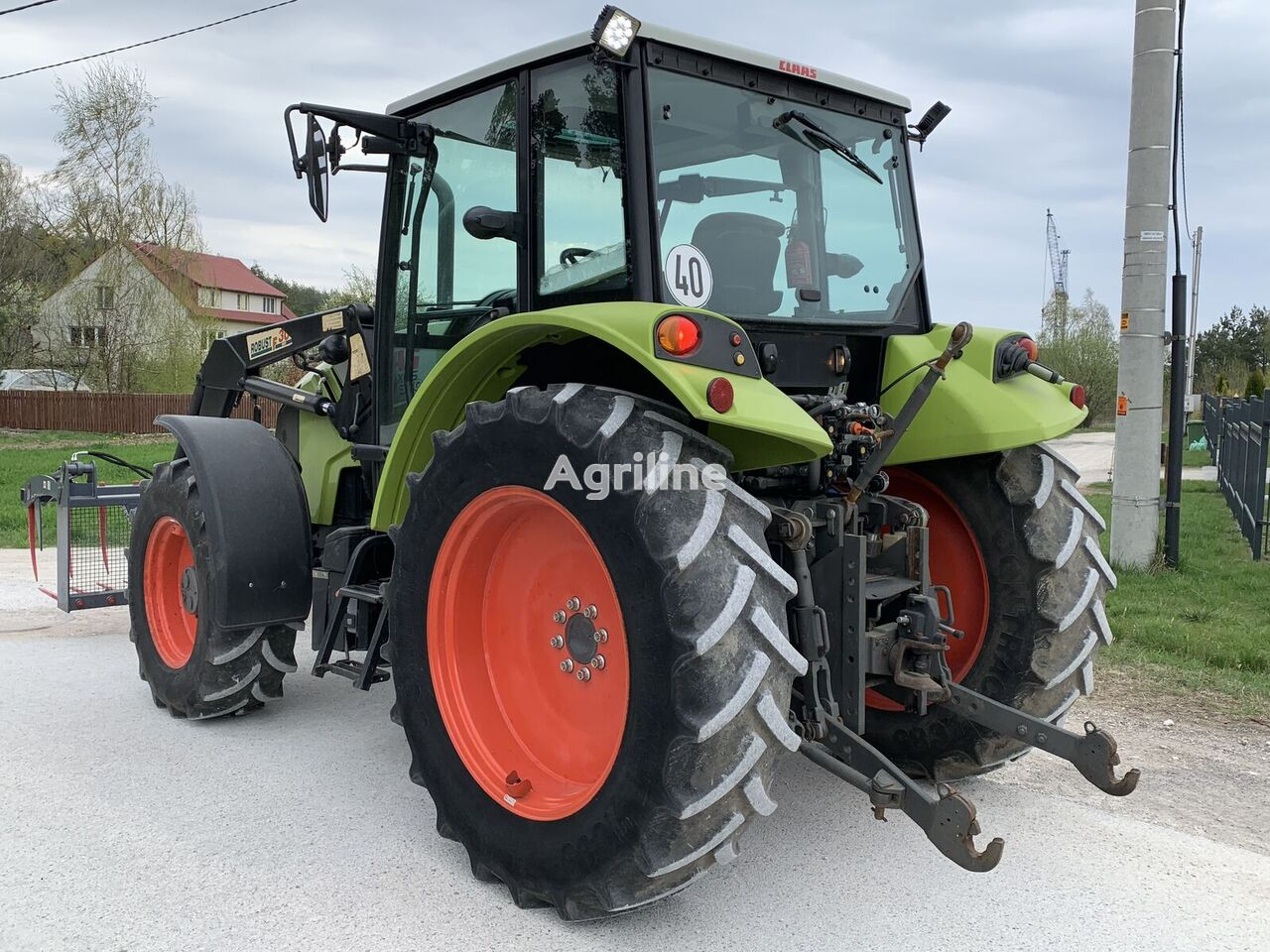kolesový traktor CLAAS AXOS 340