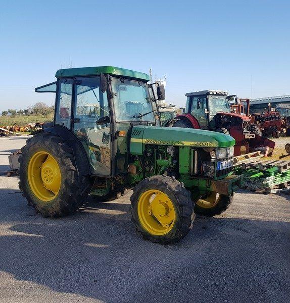 kolesový traktor JOHN DEERE 5500N