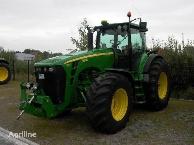kolesový traktor JOHN DEERE 8530