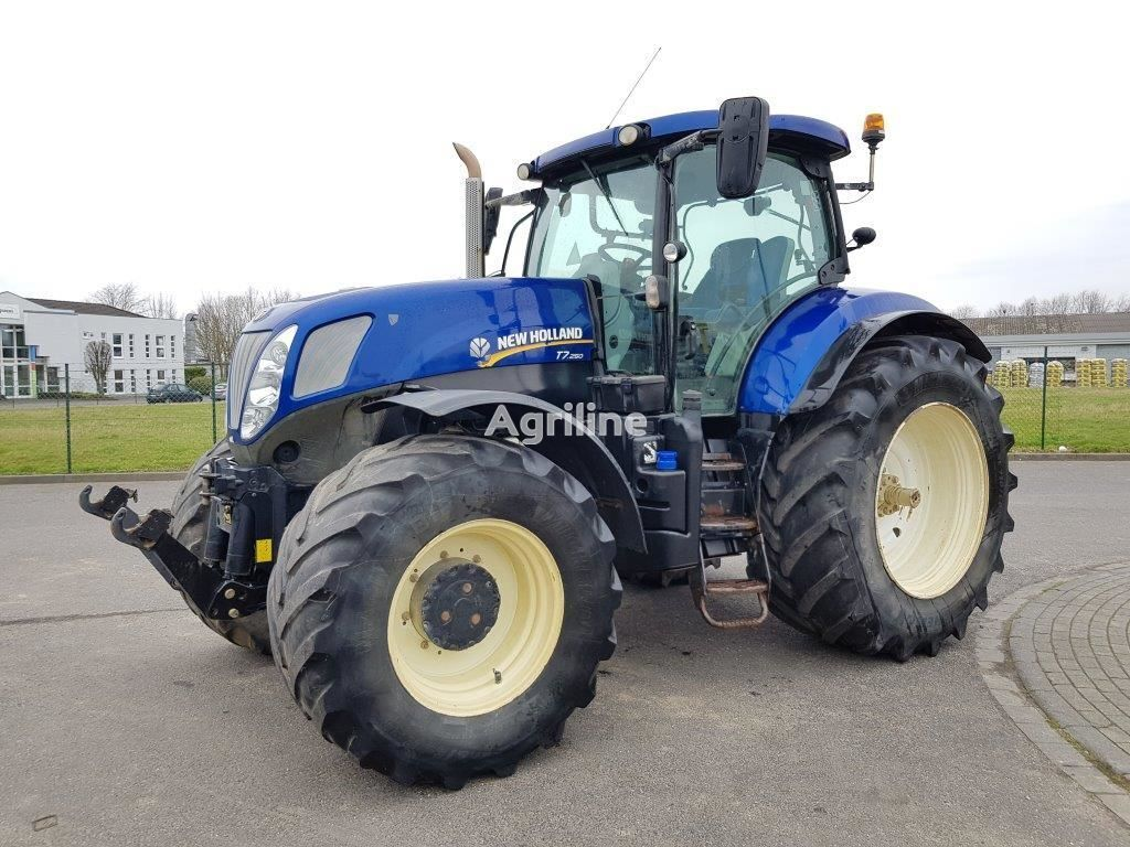 kolesový traktor NEW HOLLAND T 7.250 PC