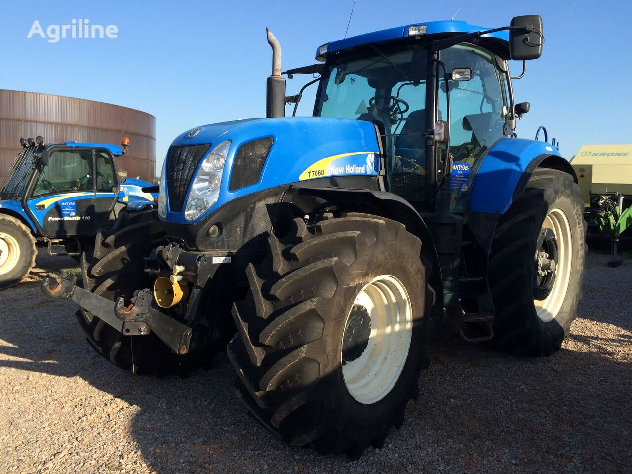 kolesový traktor NEW HOLLAND T 7060