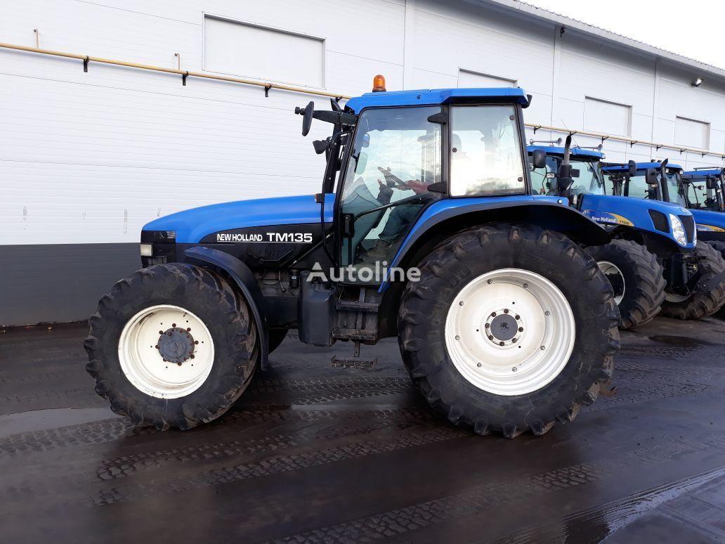 kolesový traktor NEW HOLLAND TM135
