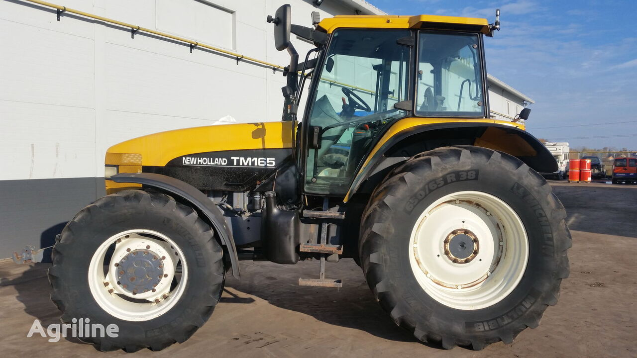 kolesový traktor NEW HOLLAND TM165