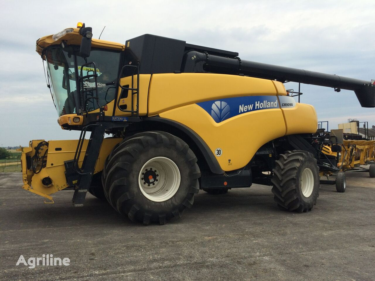 kombajn NEW HOLLAND CR 9090
